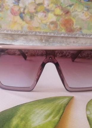 Эксклюзивные брендовые солнцезащитные очки маска цвет мокко с золотой эмблемой5 фото