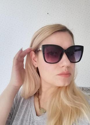 Эксклюзивные чёрные брендовые солнцезащитные женские очки лисички 20215 фото