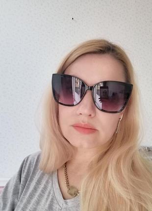 Эксклюзивные чёрные брендовые солнцезащитные женские очки лисички 20216 фото