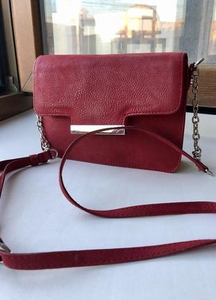 Красная кожаная сумка s.oliver guess покупала в мюнхене