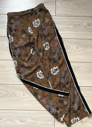 Брюки штаны кюлоты широкие с лампасами на резинке xs
