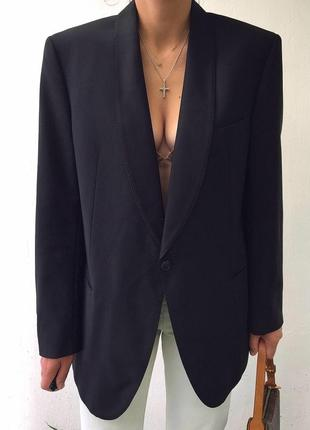 Черный винтажный смокинг с шёлковыми лацканами оверсайз винтаж