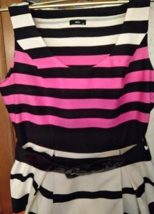 Платье фирмы m&co натуральный состав. размер 46-48-50.