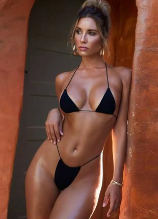 Черный купальник бикини на тонких завязка