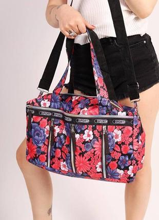 Практичная и яркая сумка
