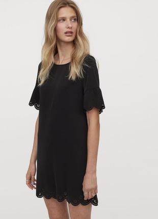 Платье трапеция мини черное с вышивкой ришелье ажурное с волнистыми краями h&m