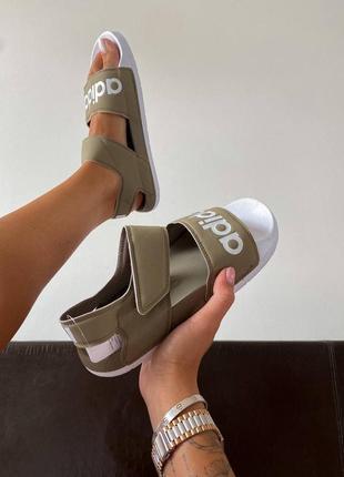 Шикарные женские босоножки adidas slippers olive