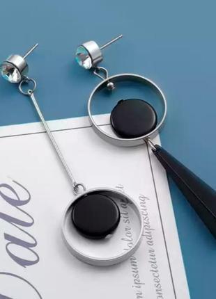 Асимметричные серьги подвески серебристые черные геометрия акриловые сережки длинные кульчики довгі срібні