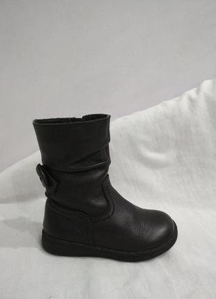 Полностью кожаные демисезонные сапоги,ботинки.