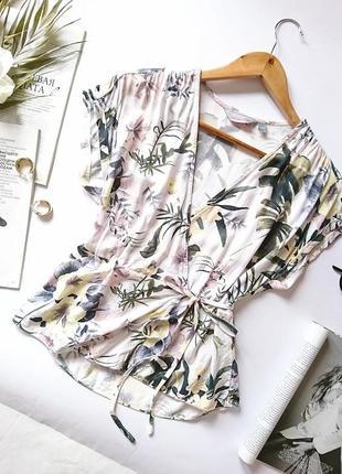Дуже ніжна віскозна блуза/топ в квіти 🌸 на запах dorothy perkins, на р. xs/s