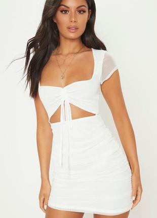 Белое мини платье с сеткой🔥prettylittlething🔥 красивое белое платье с вырезом на талии