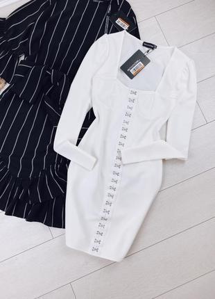 Белое мини платье на крючках 🔥 платье по фигуре prettylittlething🔥