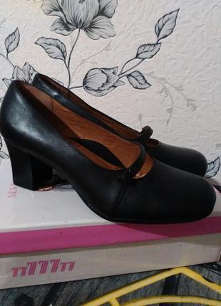 Черные кожаные туфли в стиле мэри джейн на каблуке strictly comfort