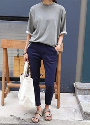 Легкие брюки чиносы