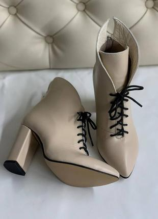 Шкіряні ботильйони з натуральної шкіри ботинки демисезон зимові на високому каблуку