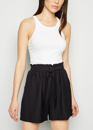 Базовые черные шорты на резинке высокая посадка на талии new look