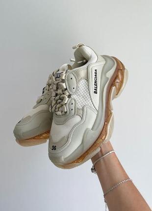 Кроссовки с золотистой прозрачной подошвой женские высокие кроссовки