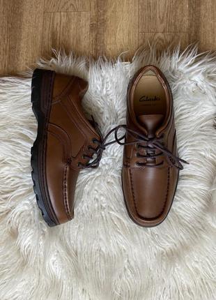 Новые натур. кожаные туфли на тракторной подошве clarks с технологией cushion cell