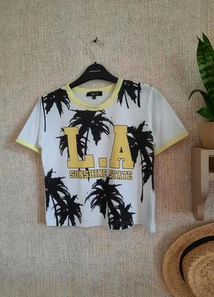 Класна літня футболка