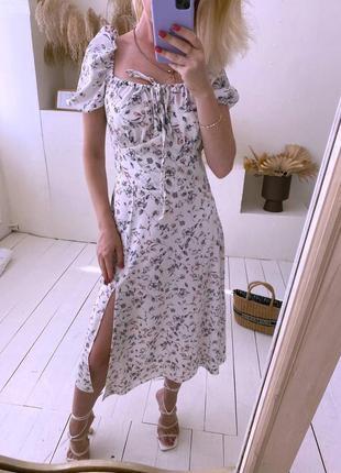 Платье с завязками и разрезом на ноге 😻