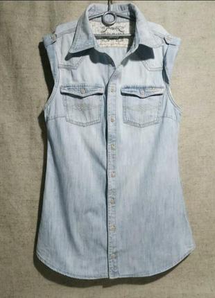 Джинсовое мини платье- рубашка pepe jeans. удлиненный жилет