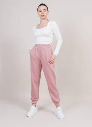 Женские спортивные штаны брюки на резинках на высокой посадке с карманами пудровые пудра светлые модные трендовые стильные