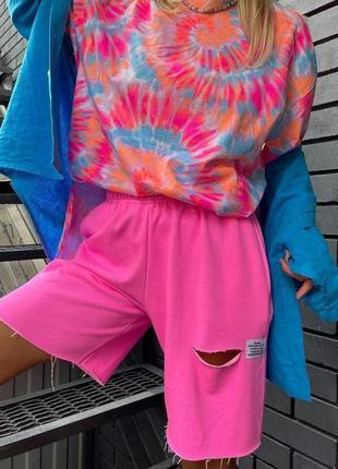 Женские шорты с дырочкой