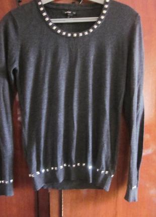 Фирменный свитер mango размер xs ( вискоза, кашемир), почти новый
