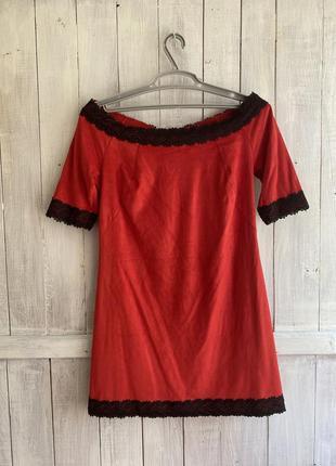 Бархатное красное платье