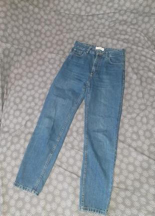 Момы джинсы