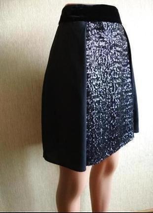 Шикарная фирменная юбка,декор пайетки и бархат,р.36