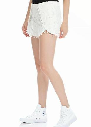 Guess новые белые ажурные кружевные шорты 30 с разрезами кружево