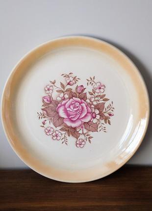 Большая винтажная тарелка-блюдо буда made in ukraine. розы цветы, советский винтаж ссср фарфор