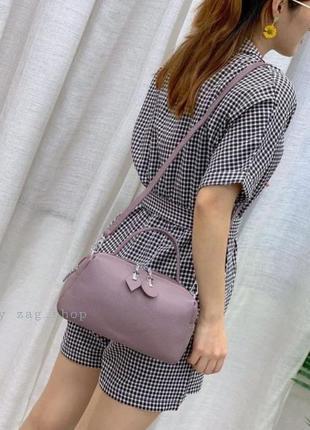Женская кожаная сумка на плечо с короткой ручкой розовая пудра жіноча сумка натуральна шкіра