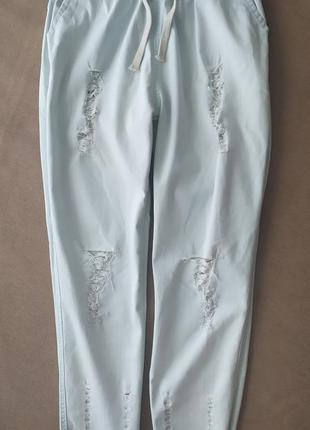 Штаны джинсы летние с рваностями