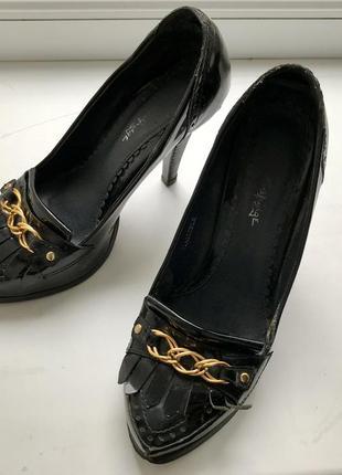 Туфли стильные лаковые miss selfridge