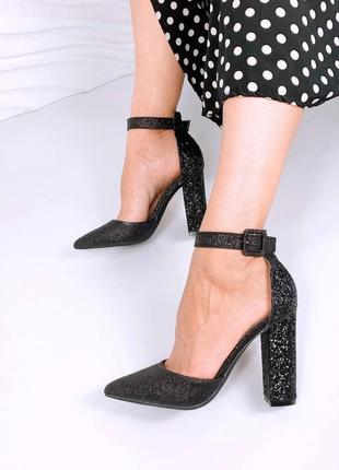 Боссоножки на высоком каблуки блестящие сахарные блестки черный острый носок