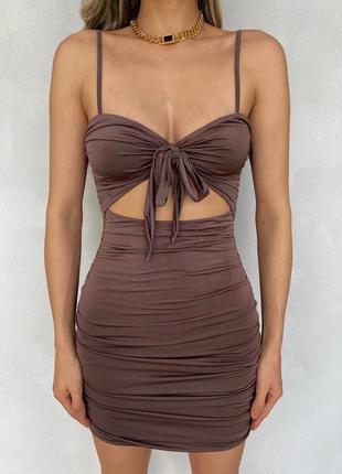 Коричневое платье короткое платье со сборкой шоколадное платье-мини