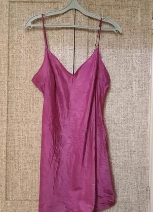 Короткое платье в бельевом стиле цвета фуксия м\l