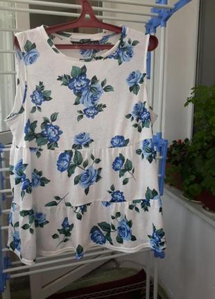 Блуза в голубых розах