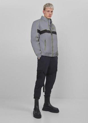 Куртка мужская со светоотражающими элементами bershka