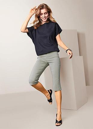 Чудові штани еластичні в смужку 3/4 довжини від tchibo (німеччина), розмір наш: 54-56 (48/50 євро)