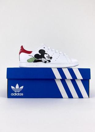 Adidas stan smith x disney mickey mouse white red женские белые кроссовки с микки маусом жіночі білі кросівки з міккі маусом