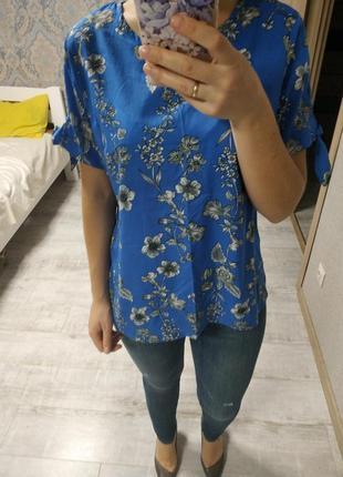 Нежная красивая блуза с завязками на рукавах