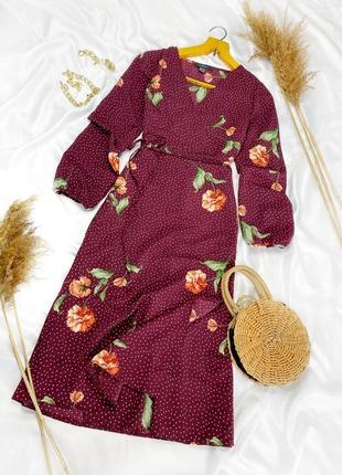 Красивое платье на запах в цветочный принт и горох