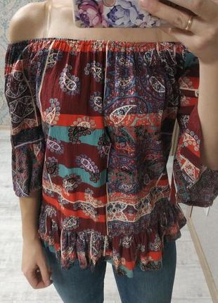 Легкая красивая вискозная блуза на плечи бохо