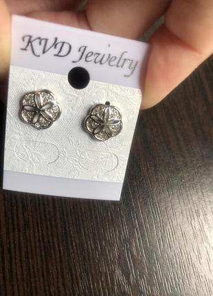 Серьги гвоздики цветок под серебро