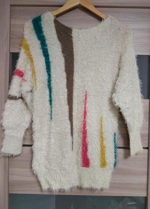 Мягкий пушистый теплый свитер