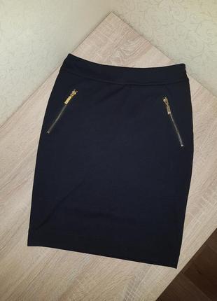 Черная классическая юбка мини