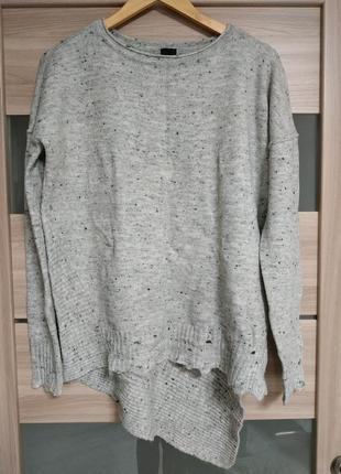 Красивый приятный асимметричный свитер оверсайз